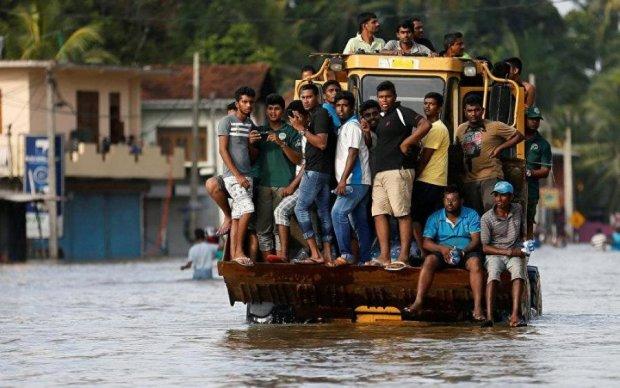 Наводнение на Шри-Ланке: число жертв катастрофически растет