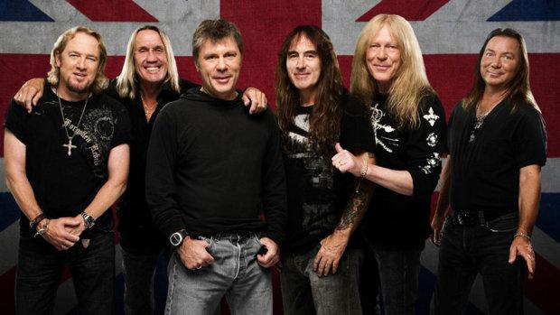 """В Киев едет фронтмен легендарных Iron Maiden: спешите за билетами, где будут """"ковать метал"""""""