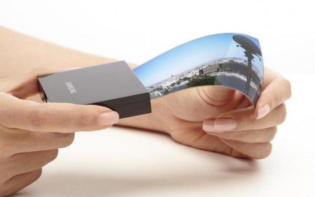 Samsung анонсувала гнучкий смартфон-книгу