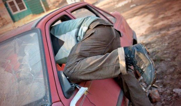 Пьяный россиянин стал кумиром автоворов
