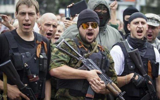 """Наркоту подвезли: украинцев рассмешили """"эпические бои правосеков с всушниками"""""""