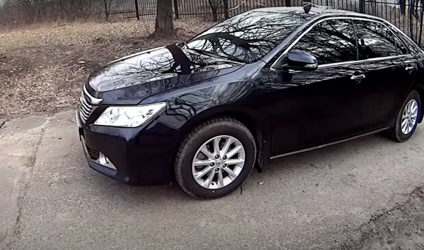 Toyota Camry, скриншот из видео