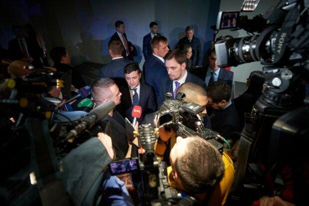 """Зеленский сделал срочное заявление и назвал организаторов протестов в Санжарах: """"К сожалению, это..."""""""