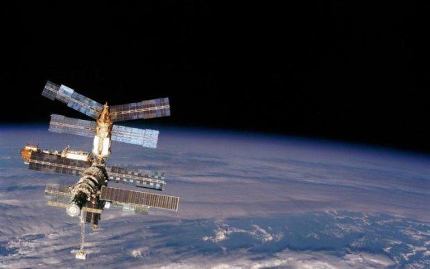 Инопланетяне в ужасе: российкие космонавты разопьют на орбите 25 литров мочи
