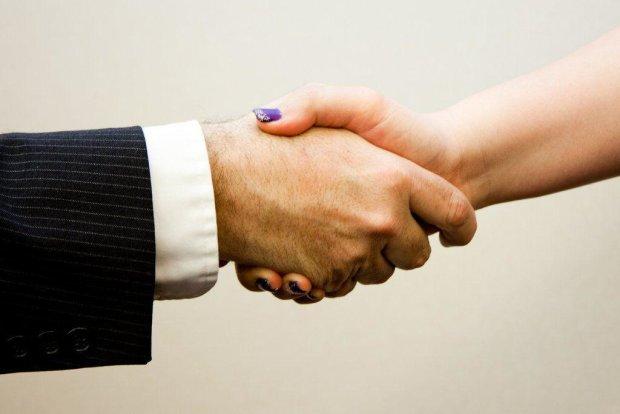 5 правильных способов знакомить людей
