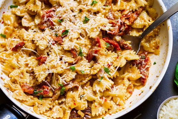 Удержаться невозможно: рецепт спагетти с вялеными томатами