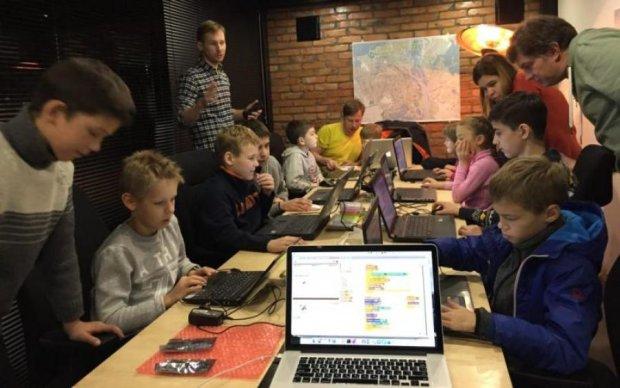 МОН и IT-школьник объединились в комитет по цифровым образовательным технологиям