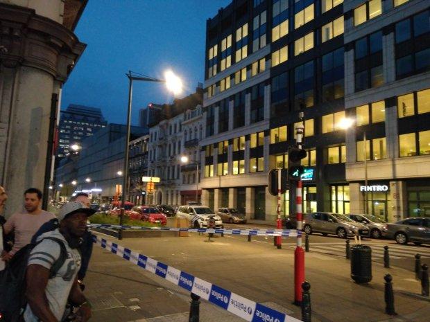 Крики, кров та шалена паніка: у Брюсселі невідомі розстрілюють перехожих