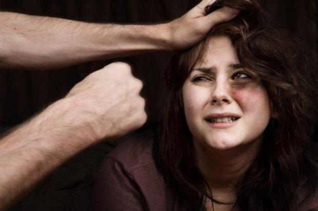 """На Закарпатті чоловік безжалісно """"розірвав"""" жінку: горілка затьмарила розум"""