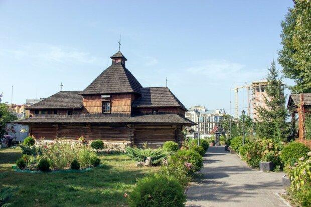 Церковь Св. Троицы на Сыхове, фото 2015 г.