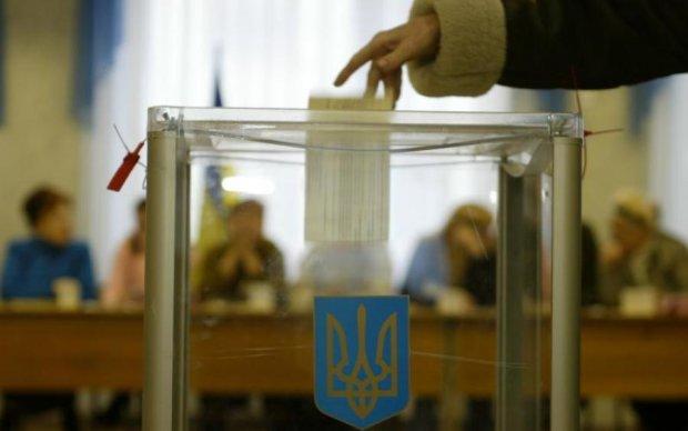 Тимошенко чи Порошенко: Захід робить ставки на вибори в Україні