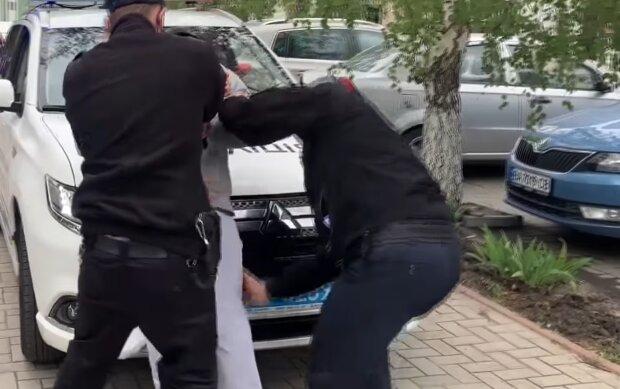 Во Франковске схватили наркодиллера, разрушившего иглой десятки молодых жизней