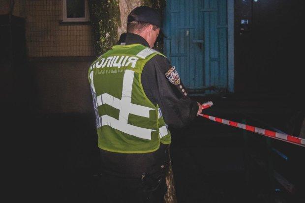 Неадекваты жестко поиздевались над патрульными, забрали все: детали дерзкого нападения