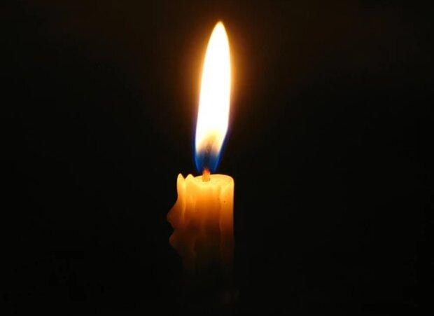 Траурная свеча, фото из открытых источников