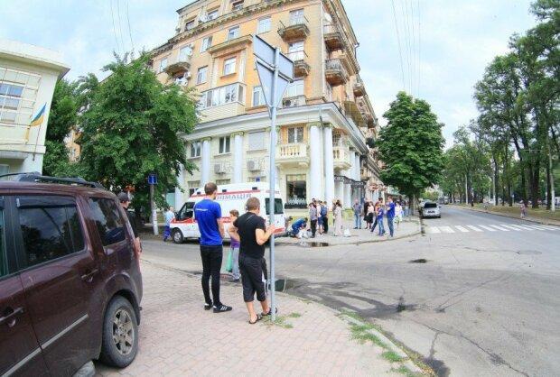 Кинула з обручками: доля Дмитра Комарова стала відома всій Україні