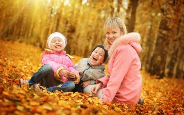 Шоколад чи обійми: як правильно заохочувати дітей