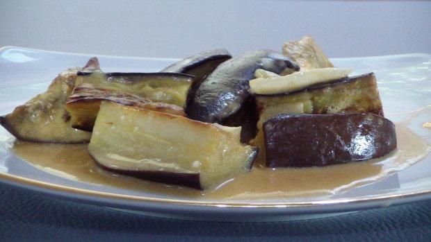 Баклажаны с луком в сметане: быстро и вкусно