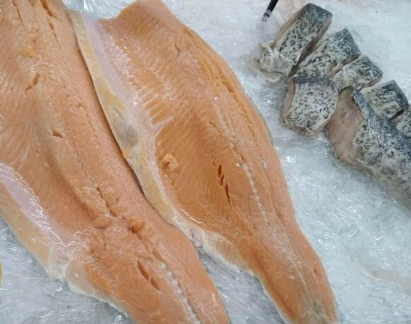 Народний ревізор викрив махінації із зіпсутою рибою в Сільпо