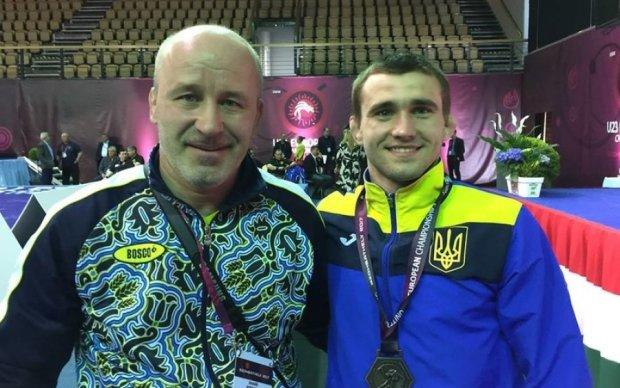 Украинские борцы завоевали две медали в первый день чемпионата Европы