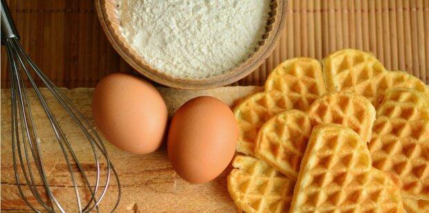 Рецепт уникального теста по-французски превратит готовку в удовольствие: одно решение для булок, тортиков и вафель