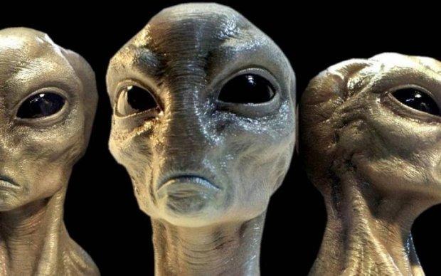 Людство попередили: до Землі летять величезні НЛО