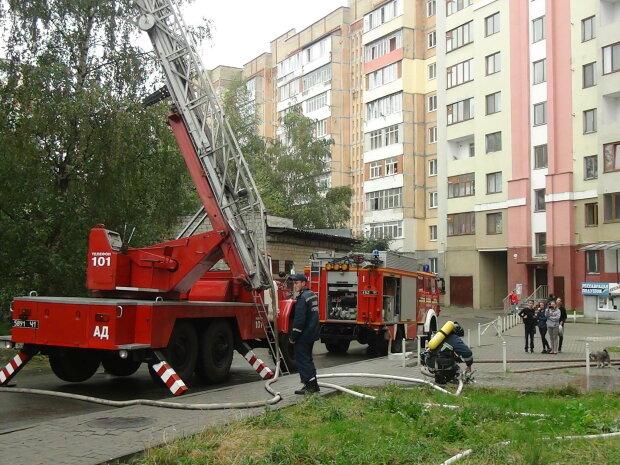 Вслед за наводнениями Прикарпатье охватил огонь — пожары вспыхивают один за другим
