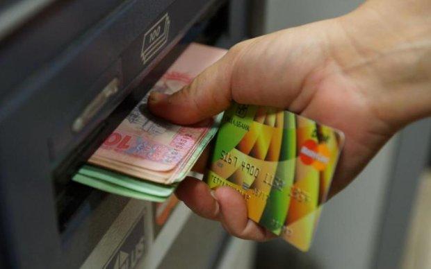 Кабмін обнадіяв українців прогнозом по зарплаті