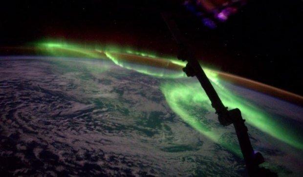 Пользователей сети поразил снимок северного сияния из космоса