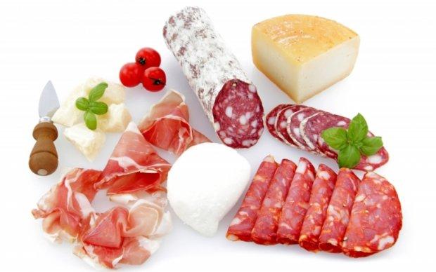 Вживання м'яса і сирів призводить до розвитку раку