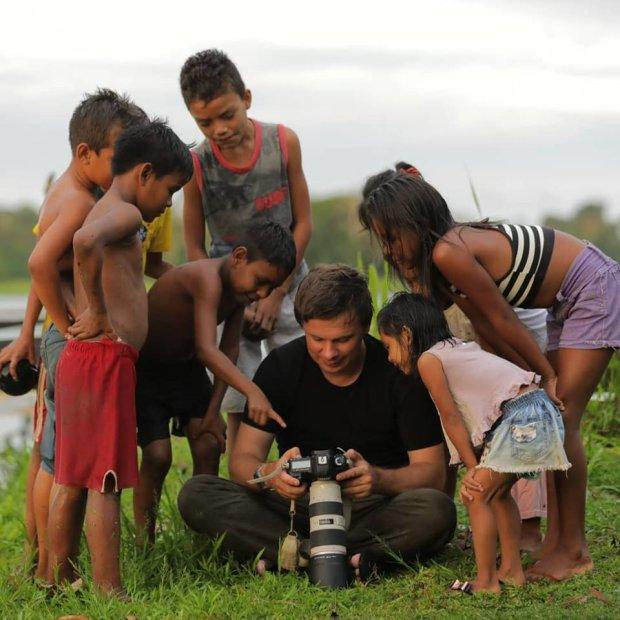 Світ навиворіт: Дмитро Комаров ризикнув життям заради аборигенів, подивіться, на що перетворився ведучий