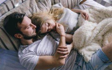 Впервые в постели вместе