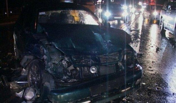 У київському ДТП розбилося 6 машин