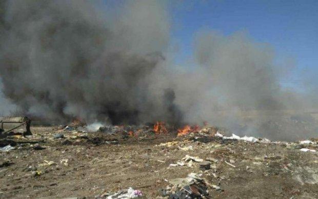 Проклятие Садового: под Киевом загорелась свалка