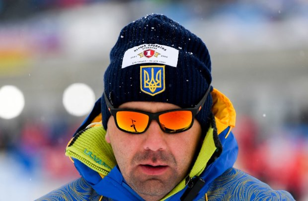 Збірна України з біатлону залишилася без тренера