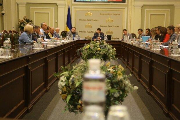 Зеленский исполнит самую большую мечту украинцев: чем отметится новая Верховная Рада
