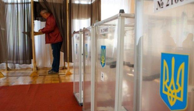 "Харкiв'ян збили з пантелику ""клони"" у краватках: два кандидати - на один мандат"