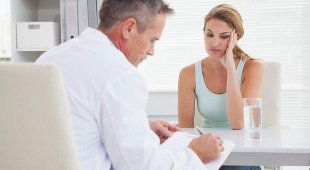 Ці безневинні симптоми можуть говорити про серйозне захворювання: коли потрібно бігти до лікаря