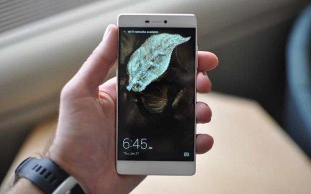 """Huawei представил смартфоны с """"уникальной камерой"""""""
