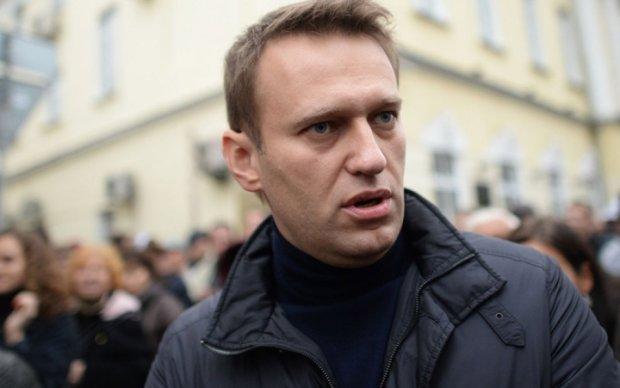 Путинские силовики забрали у Навального шнурки и Nokia