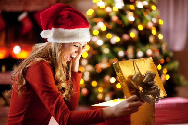 Лучшие бюджетные подарки на Новый год 2019: порадуй близких за копейки