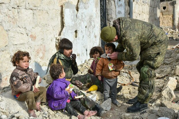 Українки з дітьми благають країну про допомогу, від їх слів навертаються сльози