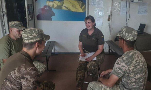 Українка з величезним серцем рятує героїв на Донбасі: шлях від бухгалтерії до військової психології