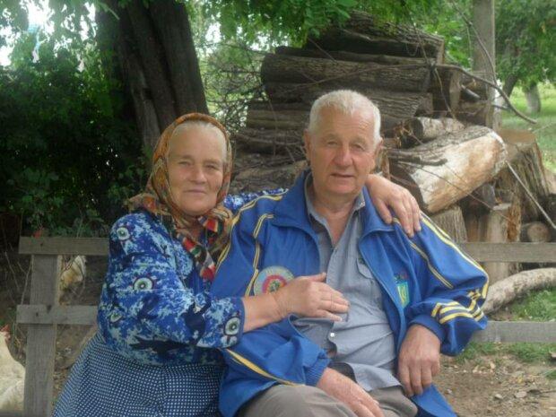 """Супруги прожили вместе 70 лет и удивили гостей на бриллиантовой свадьбе: """"Счастливы, как молодожены"""""""