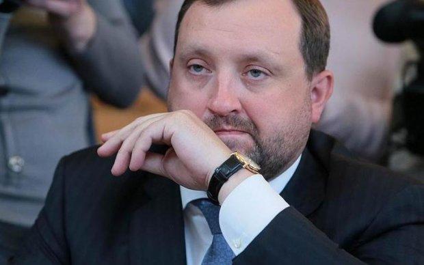 """Следом за Януковичем и Ко Интерпол """"забыл"""" об Арбузове"""