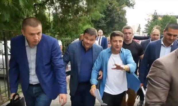 """У Зеленского решили снова устроить выборы: куда и почему так спешит """"Слуга народа"""""""