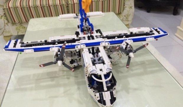 Конструктор LEGO навчили літати