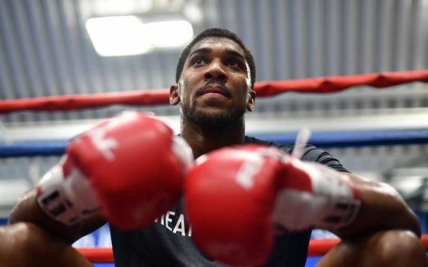 Тайсон назвав боксера, який стане справжнім тестом для Джошуа