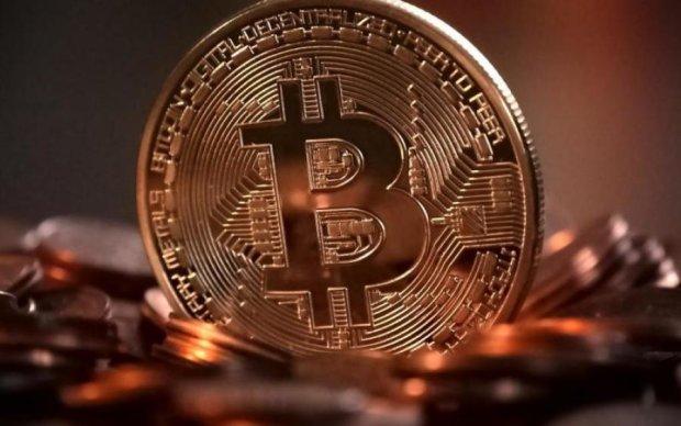 BitCoin и BitCoinCash упали в цене из-за хакерских атак и приостановки торгов