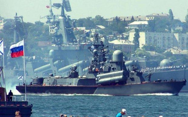 Оккупанты подняли по тревоге боевые корабли в Крыму