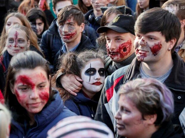 Хелловін 2019: як зробити гарний і страшний макіяж